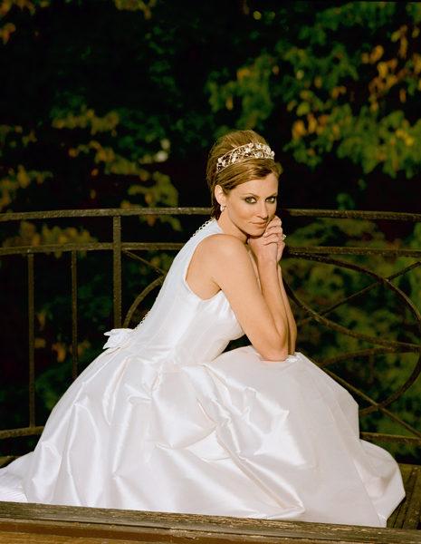 Glamourous bride in wedding dress by photographer Steve Landis