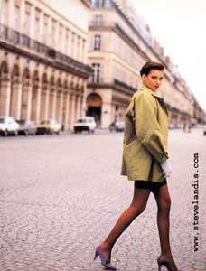 model tracy ashton on the rue du rivoli